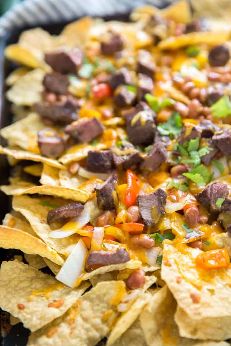 steak nachos with fajita topping