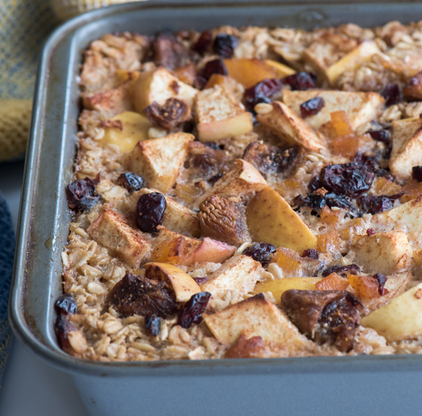 Baked Oatmeal with Apples and Apricots