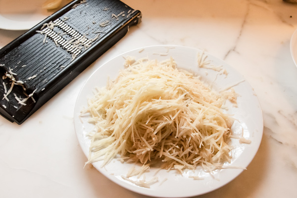 Rosti: Crispy Potato Pancakes with Mushrooms and Onions reiccpe