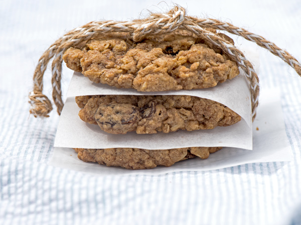 Kitchen Sink Chewy Oatmeal Cookies