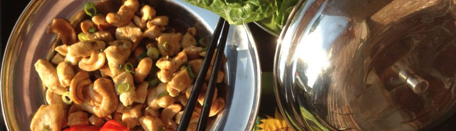 chicken and cashew lettuce wraps with peanut sauce