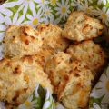 Cheddar Buttermilk Biscuits {Red Lobster Inspired}