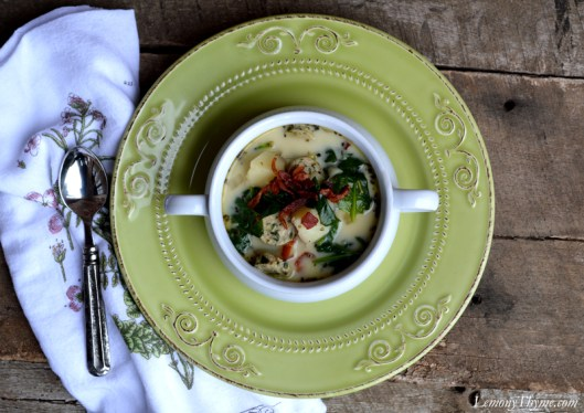 Sausage & Potato Soup with Spinach & Bacon like Olive Garden's Zuppa Tuscana
