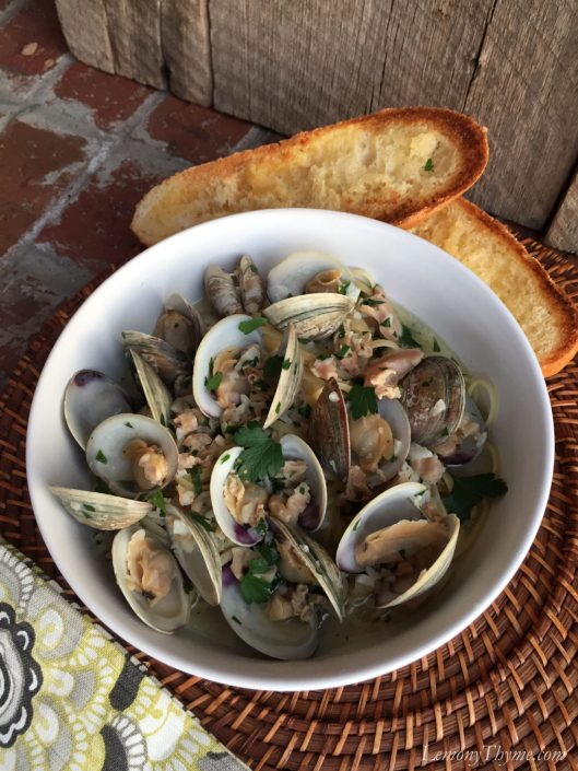 Linguine with White Clam Sauce3