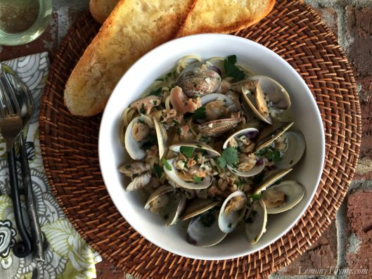 Linguine with White Clam Sauce1