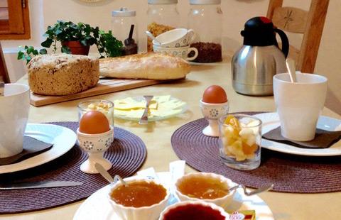 Le petit déjeuner au Moulin Ollivier dans les Hautes Alpes