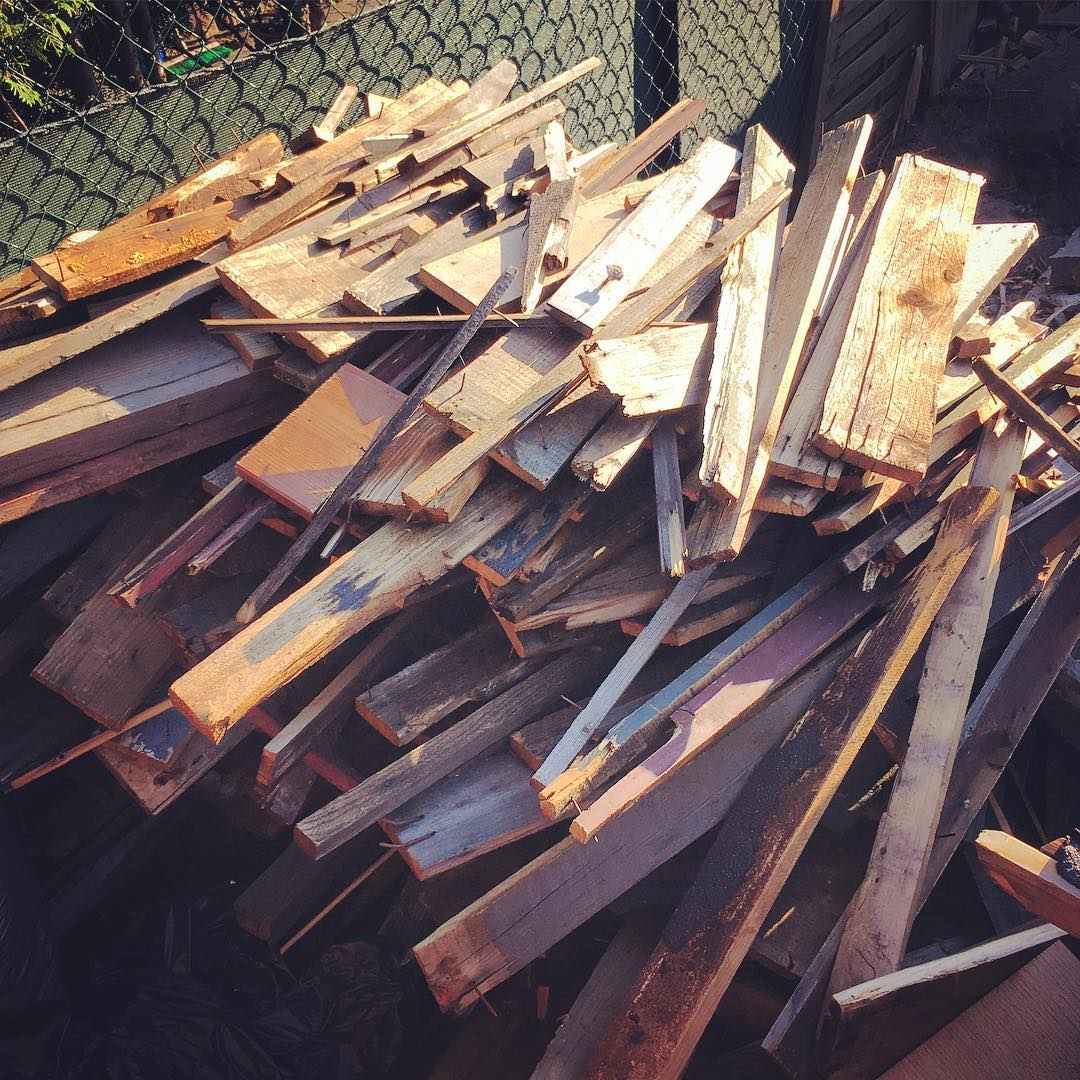 These wood scraps will become soon an art installation… #berlinfoodartweek
