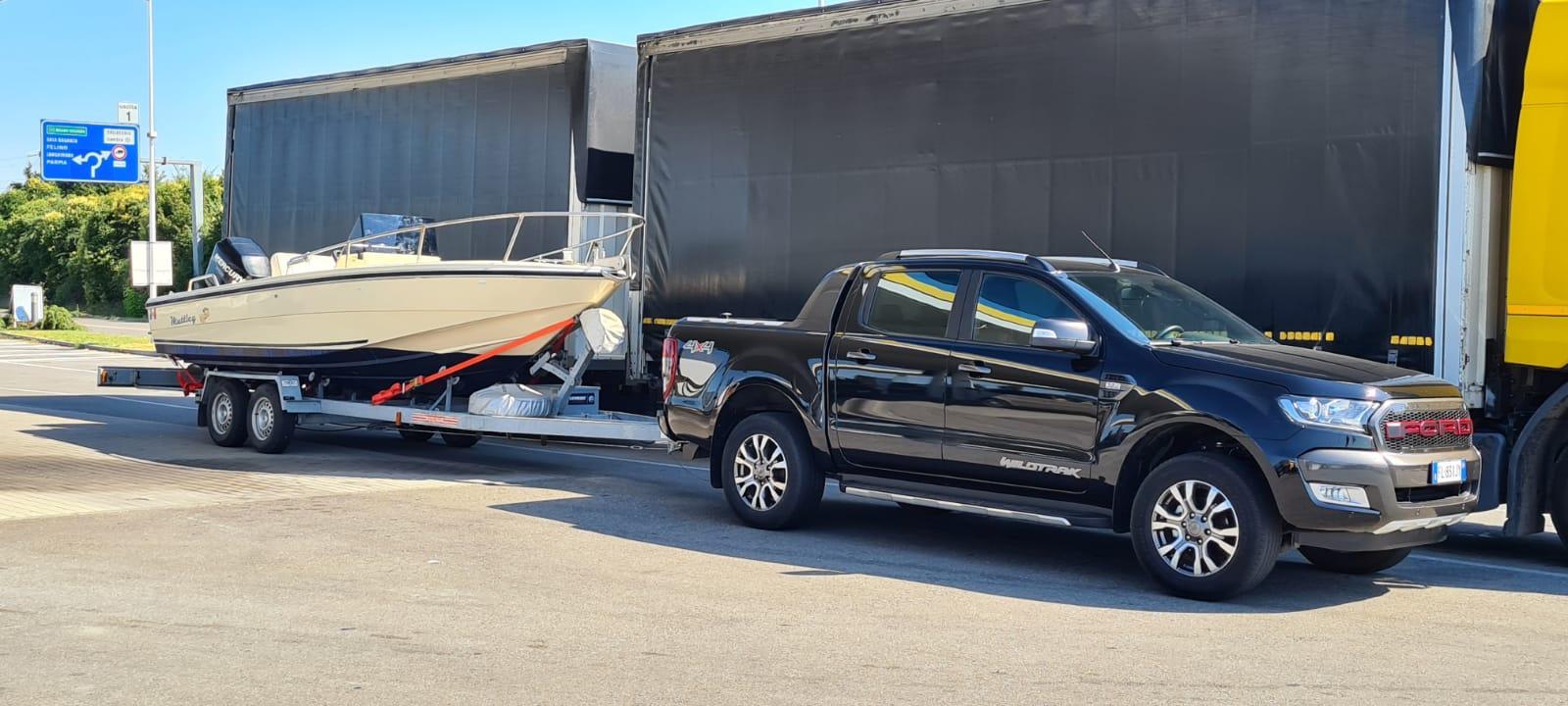 Trasporto imbarcazioni con carrello