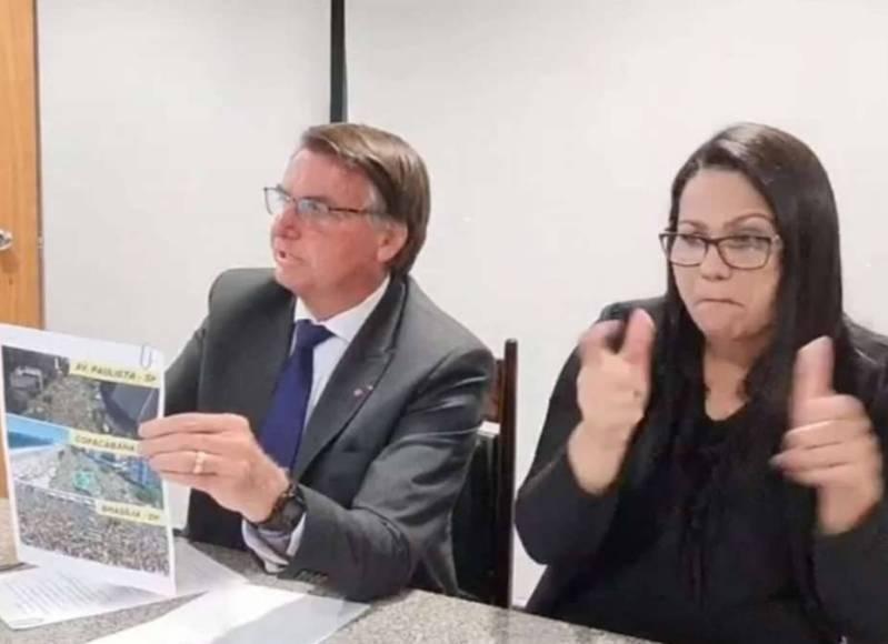 Presidente-Jair-Bolsonaro-em-sua-live-semanal-