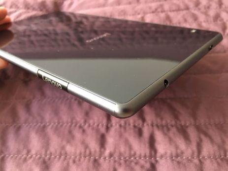 Lenovo Tab 4 8 Plus 11