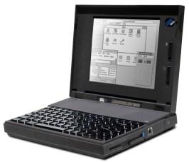 IBM ThinkPad 300 byl prvním modelem s klávesou Fn v levém spodním rohu.