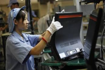 Továrna Lenovo. Zdroj: Geek.com