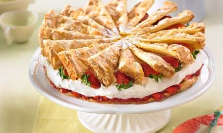 Jahodová snehová torta