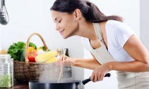 IN žena v kuchyni