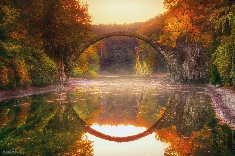 Rakotzbruecke - 9 Fotospots für atemberaubende Herbstfotos in Deutschland