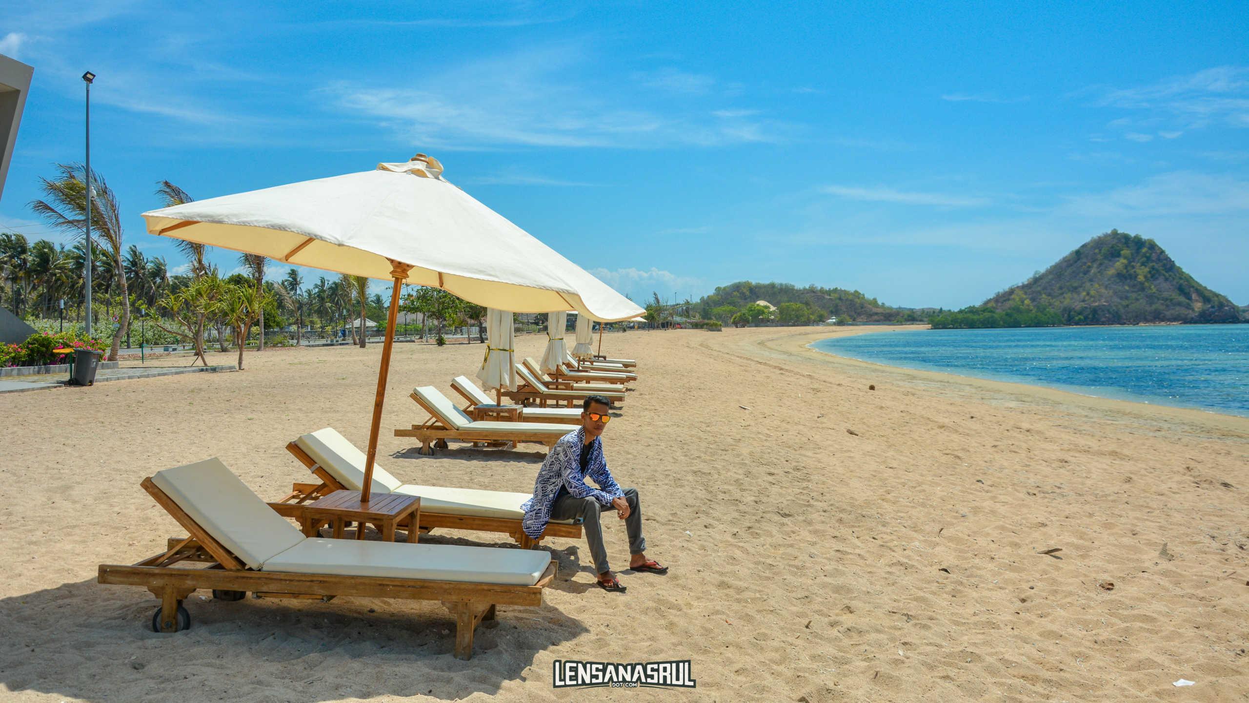 Pantai Kuta Lombok Yang Tidak Kalah Dengan Pantai Kuta Bali