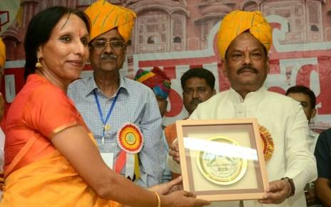 Girls are the power of nation : raghuvar das ( cm, Jharkhand )