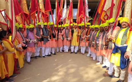 Nishan pujan by members of shyam mandal in ringas