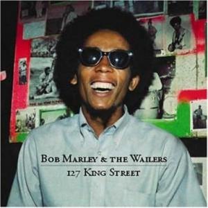 Bob Marley de óculos escuros