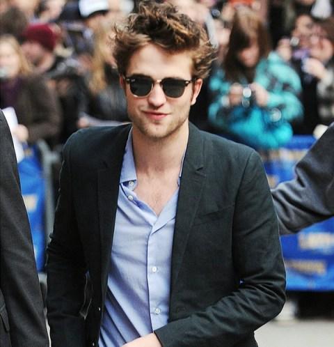 Robert Pattinson com Ray Ban Clubmaster