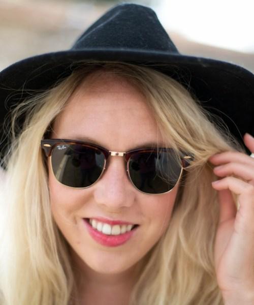 Lindos e modernos  conheça os óculos de sol queridinhos das mulheres 4a1e009cb3