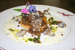 Tartelette d'escargot de Bourgogne sur lentilles blondes de Saint-Flour