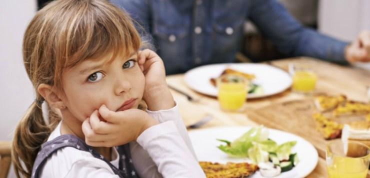 Imparare a stare a tavola fin da piccoli