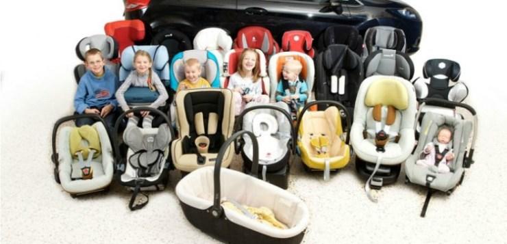 Legate i bambini in auto!