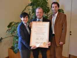 KommR Elfriede Säumel, Bürgermeister Karl Dobnigg und Mag. Alexander Sumnitsch