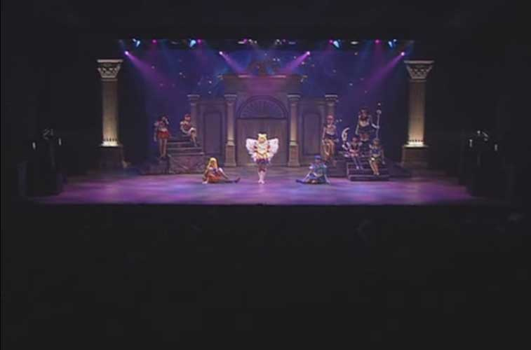 All the senshi gathered at the end of the Ai no Sanctuary musicals