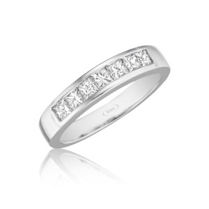 leo-ingwer-custom-diamond-wedding-bands-halfround-princess-standing-LWH4314-300dpi