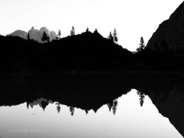 Alta Via n° 3, riflessi e specchiature sul lago Sorapiss