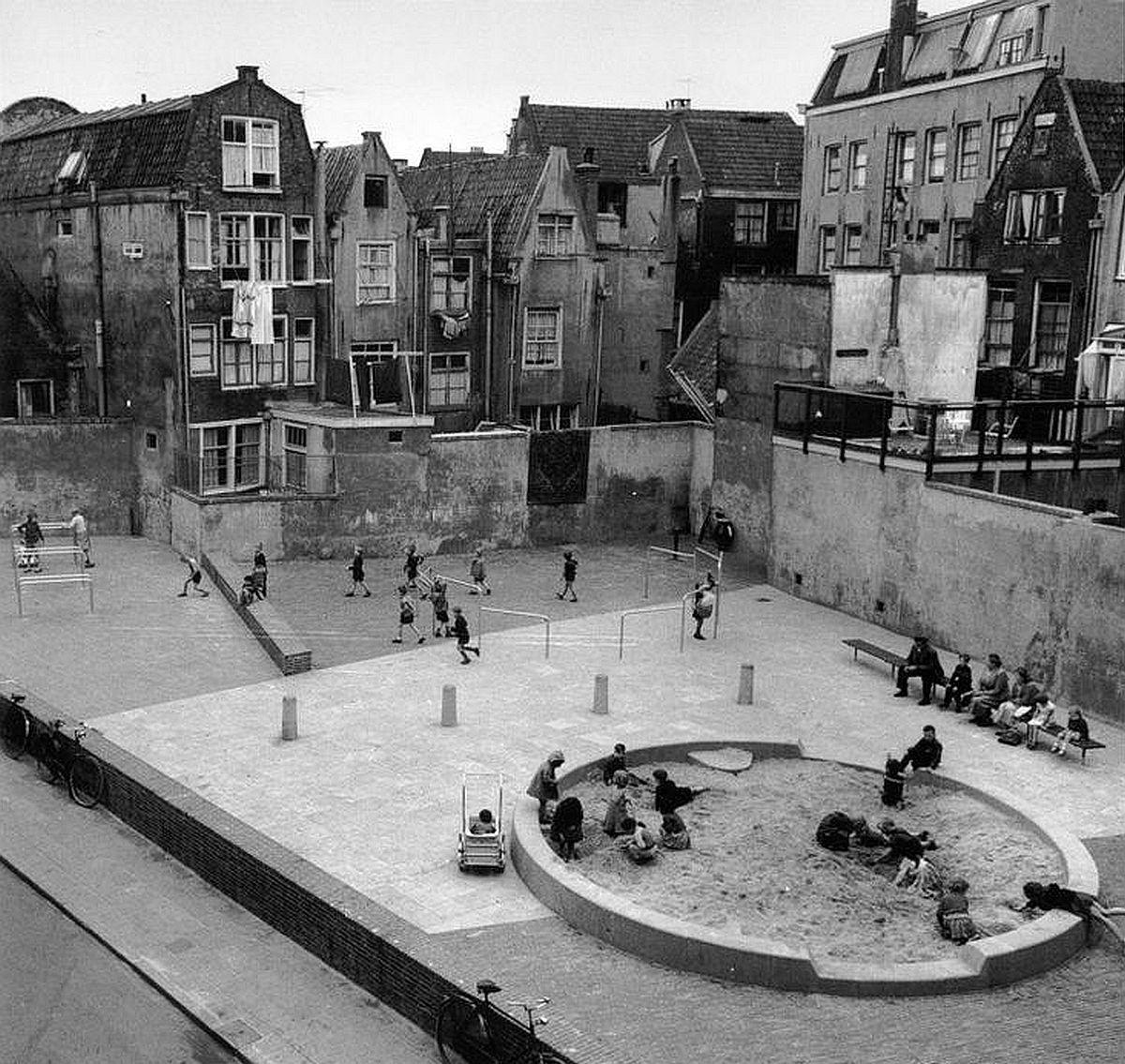 Speelplaats Aldo van Eyck Stadsarchief Amsterdam
