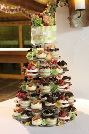 Wedding Cakes in London   Woking  Surrey from Le Papillon Patisserie French Gateaux Tower