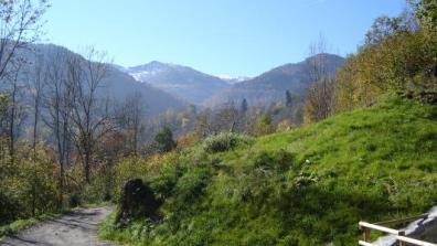 vakantiehuis-Pyreneeën-zicht-vanop-terras.jpg