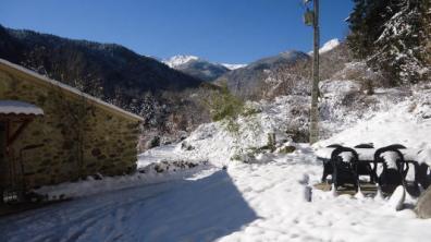 vakantiehuis-pyreneeen-La-Nitescente-buiten.jpg