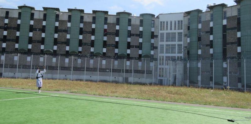Fleury-Mérogis, mercredi 26 août 2020. De leur cellule, les détenus ont aussi pu profiter du concert./LP/Nolwenn Cosson