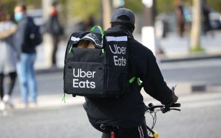 Selon un représentant des mouvements de grève, depuis lundi, Uber Eats applique à Saint-Etienne une rémunération minimum de 10 euros pendant certaines plages horaires.