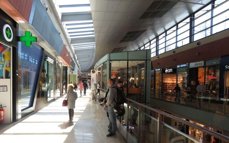 magasins du centre commercial