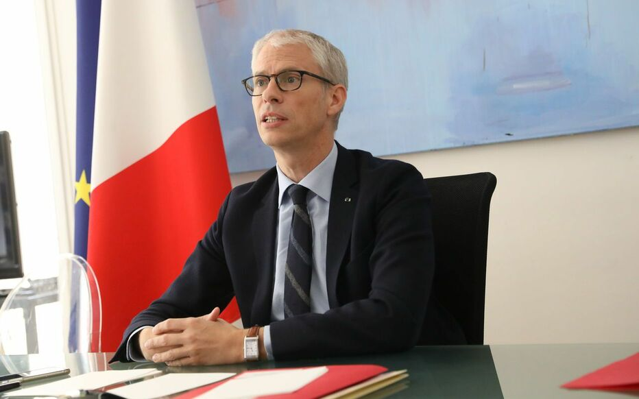 « La limite est de ne pas prendre de risques avec des regroupements, un brassage de population trop important », met en garde Franck Riester.