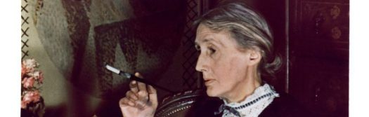 cropped-virginia-woolf-devant-la-fresque-de-vanessa-bell_801195.jpg