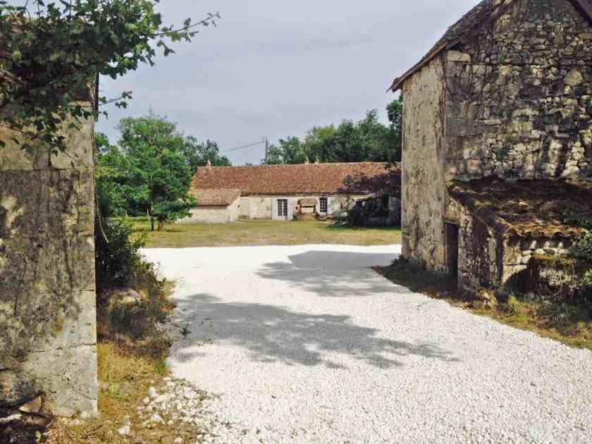 le petit capelier holiday pool and cottage