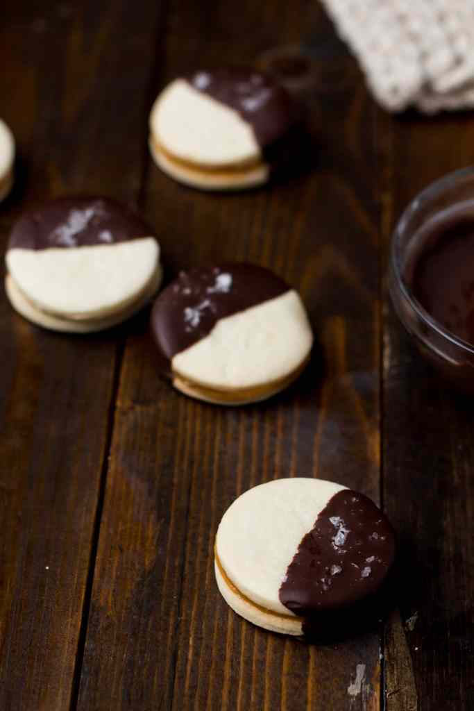 dark-chocolate-alfajores-15