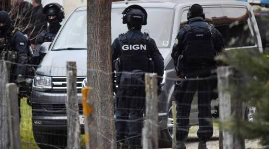 Des membres du GIGN, le 2 décembre à Auros.