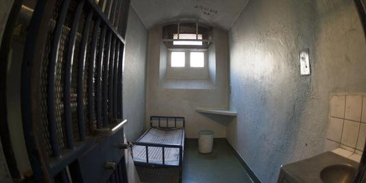 4529513_3_3bcd_une-cellule-individuelle-a-la-prison-de-la_ab68e84e4406178c1aeee7631a4eeb11