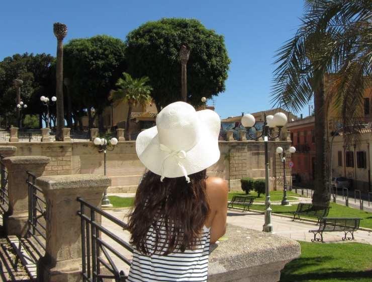 Un cappello in vacanza - Storia di un city break particolare - Le Plume
