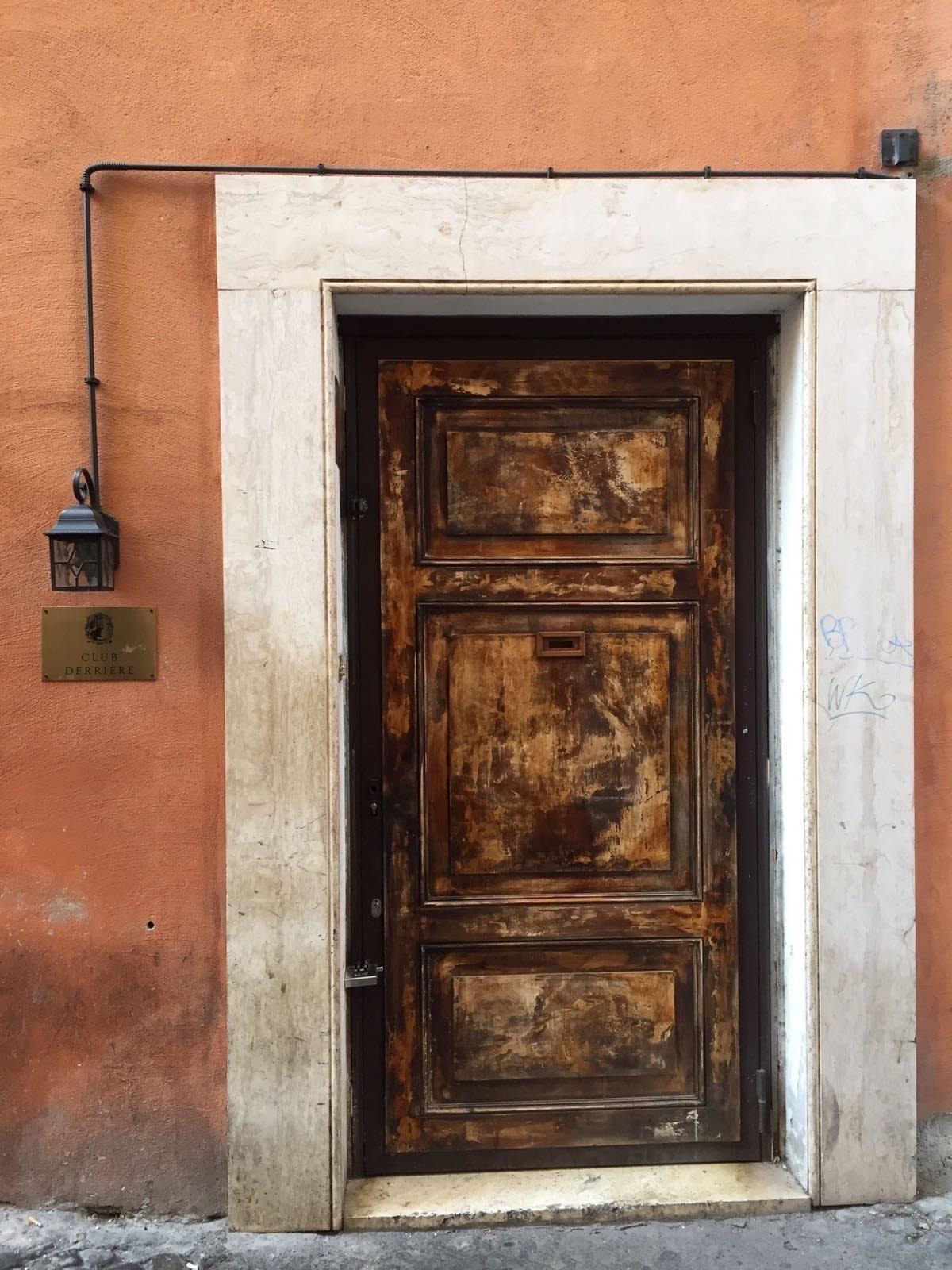 Roma - Porta club segreto - Le Plume
