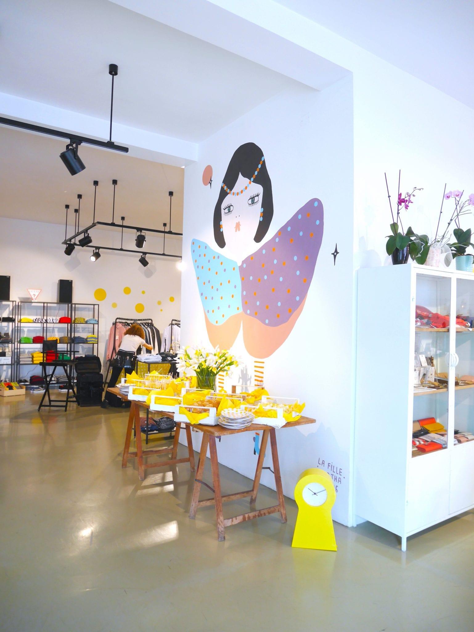 Murales tavolo giallo fashi/off - LePlume