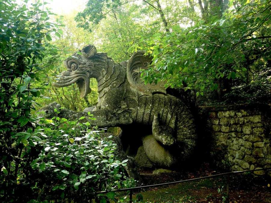 Statua drago - Bomarzo - Parco dei Mostri - Le Plume
