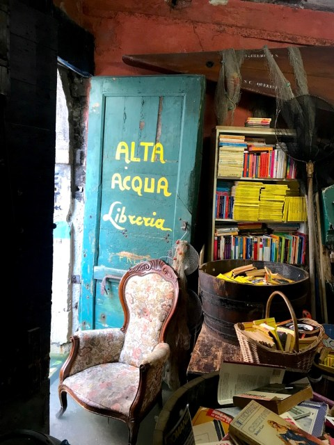 Libreria Acqua Alta Ingresso - Venezia - Le Plume